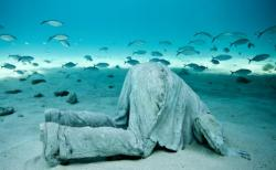 4-sculpture-modern-art-jason-decaires-taylor-sculpture.jpg