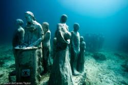 8.the-silent-evolution-depth-8m-cancun-mexico.jpg